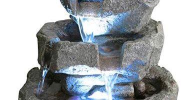 fuente de piedra decorativa