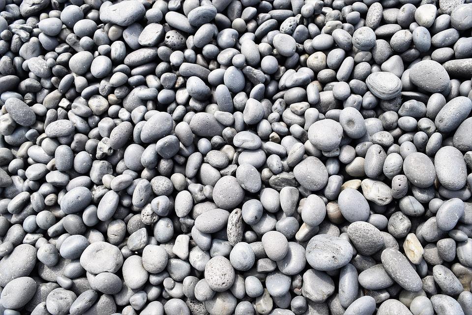 piedras negras de jardin