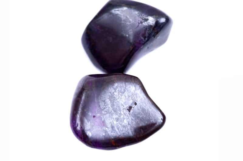 Dos piedras de sucilita pulidas
